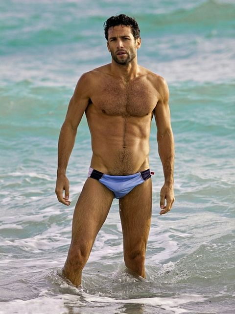 Hairy Hunk Raphael Hildebrand | Gay Body Blog | Daily Dudes @ Dude Dump
