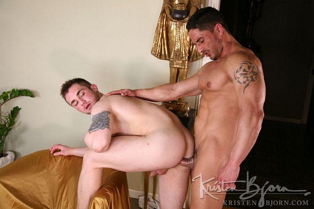 Xavi from Pekin Express is back to gay porn | Daily Dudes @ Dude Dump