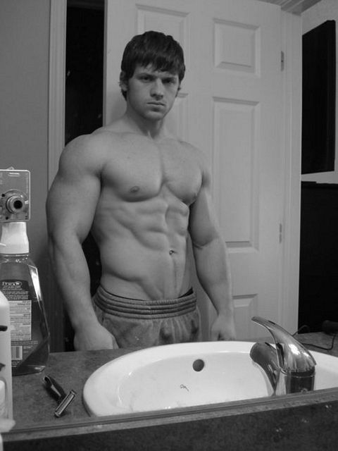 Bodybuilder Self Pics | Daily Dudes @ Dude Dump