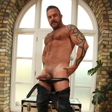 Hairy Bearded Hunk – Pete Finland | Daily Dudes @ Dude Dump