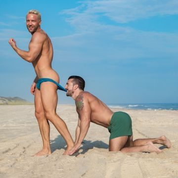 4Play — Will & Jimmy at the beach   Daily Dudes @ Dude Dump