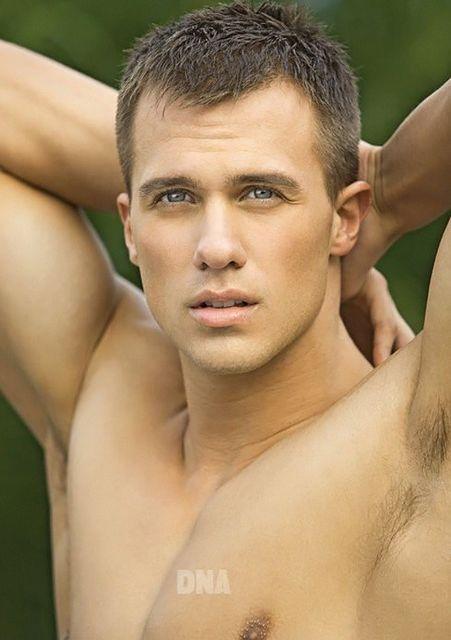 Sexy Jock Tyler Davin | Gay Body Blog | Daily Dudes @ Dude Dump