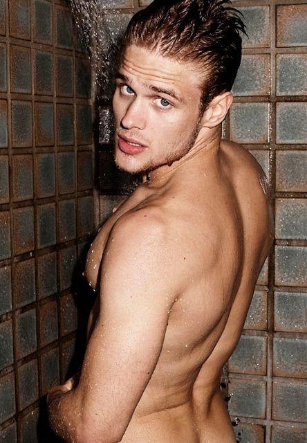 Renan Rosiak In The Shower | Gay Body Blog | Daily Dudes @ Dude Dump
