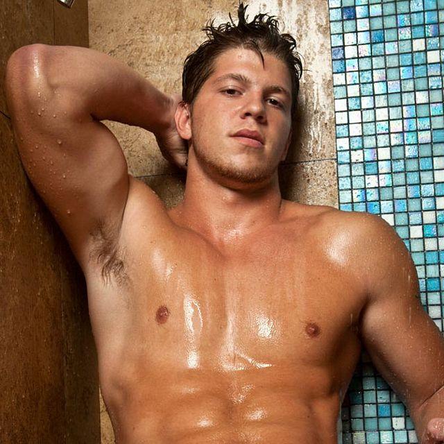 Showering stud Ace White | Daily Dudes @ Dude Dump