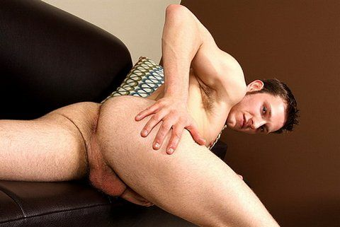 More of a Top and he is pretty dang hung | Daily Dudes @ Dude Dump