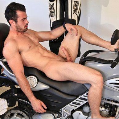 Hot muscle stud Brock Cooper | Daily Dudes @ Dude Dump