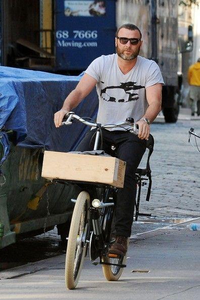 Liev Schreiber rides a bike | Daily Dudes @ Dude Dump