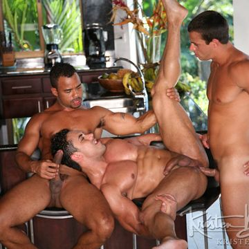 Hardcore Gay Muscle Orgy | Daily Dudes @ Dude Dump