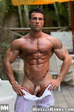 Gianluigi Volti nude muscle hunk | Daily Dudes @ Dude Dump