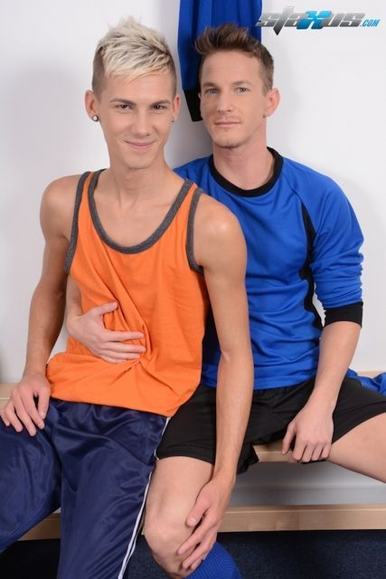 A hot gay locker room video – Darius Ferdynand | Daily Dudes @ Dude Dump