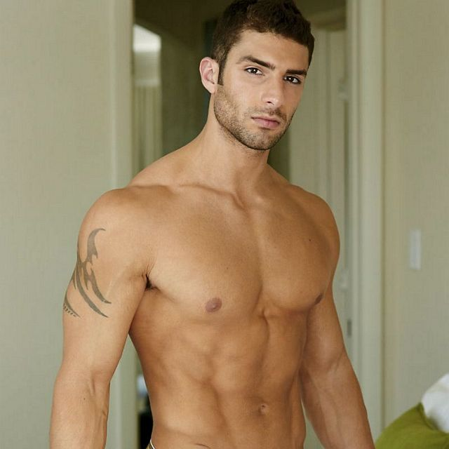 Adam Ayash bulge & butt   Flesh 'n' Boners   Daily Dudes @ Dude Dump