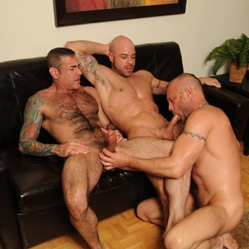 An awesome gay daddy threesome | Daily Dudes @ Dude Dump