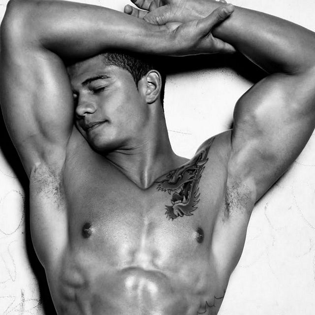 Beauty in Black & White | Daily Dudes @ Dude Dump