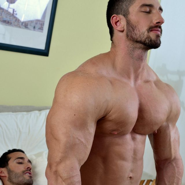 Bodybuilder's 1st Time Fucked | Daily Dudes @ Dude Dump