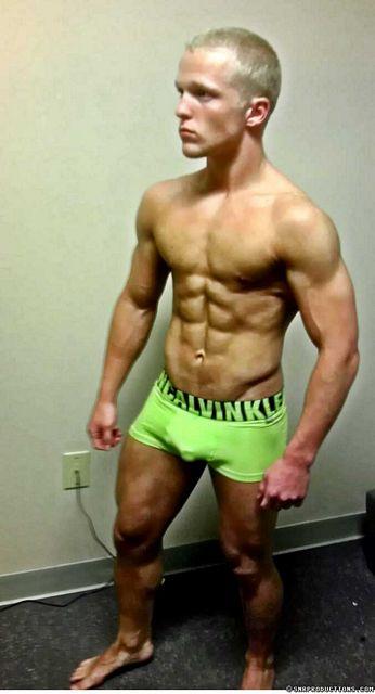 Bodybuilding Cam Boy Neko | Sexy Muscle Guys | Daily Dudes @ Dude Dump