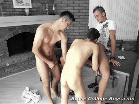 Broke College Boys – Threeway | GymStud.com | Daily Dudes @ Dude Dump