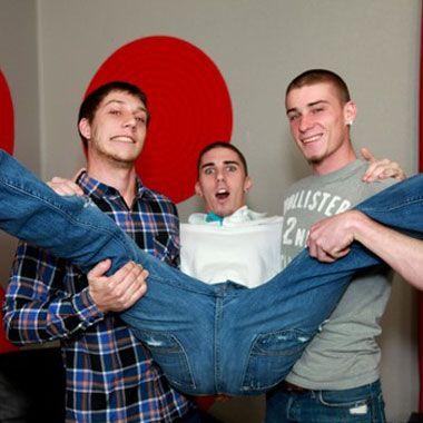 Broke straight boys threesome   Daily Dudes @ Dude Dump