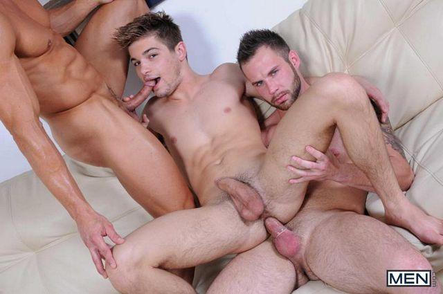Bryce Evans & Chris Bines tagteam Johnny Rapid | Daily Dudes @ Dude Dump
