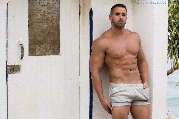 Check Out Impressive Muscle Hunk Kurt Hanger | Daily Dudes @ Dude Dump