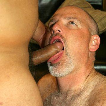 Daddy Bear & Cub Sex | Daily Dudes @ Dude Dump