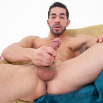 Ethan Russo bulge 'n' boner | Daily Dudes @ Dude Dump