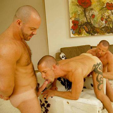 Gay Daddy Threesome | Daily Dudes @ Dude Dump