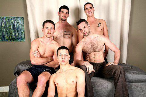 Genuine straight boys get their dicks sucked | Daily Dudes @ Dude Dump