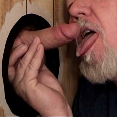 Glory Hole Blowjobs And Jizz Eating | Daily Dudes @ Dude Dump