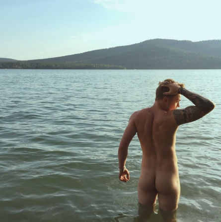 Gus Kenworthy's coming (ass) out! | Daily Dudes @ Dude Dump