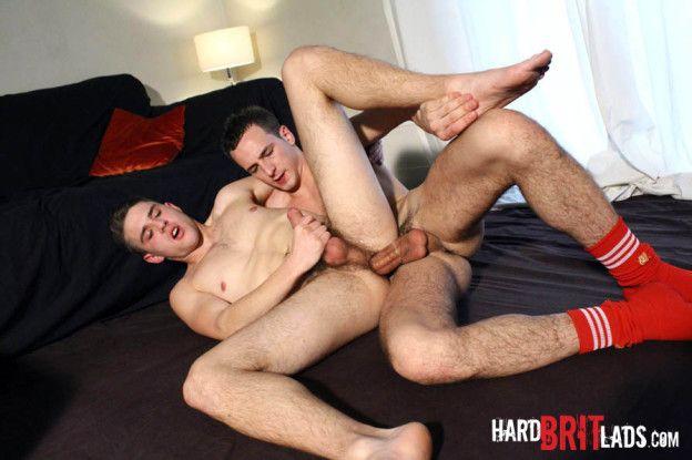 Hard Brit Lads – Jamie Mount & Luke Desmond | Daily Dudes @ Dude Dump