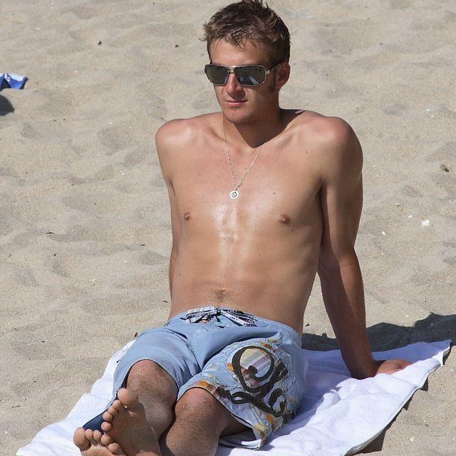 Hot Men Hit The Beach | Daily Dudes @ Dude Dump
