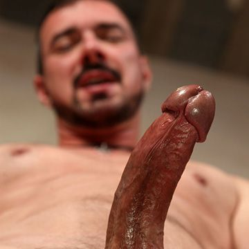 Hung Daddy of the Day | Daily Dudes @ Dude Dump