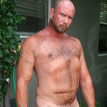 Hung Hairy Man | Daily Dudes @ Dude Dump