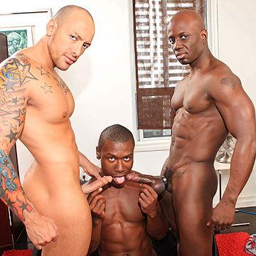 Interracial Muscle 3way | Daily Dudes @ Dude Dump