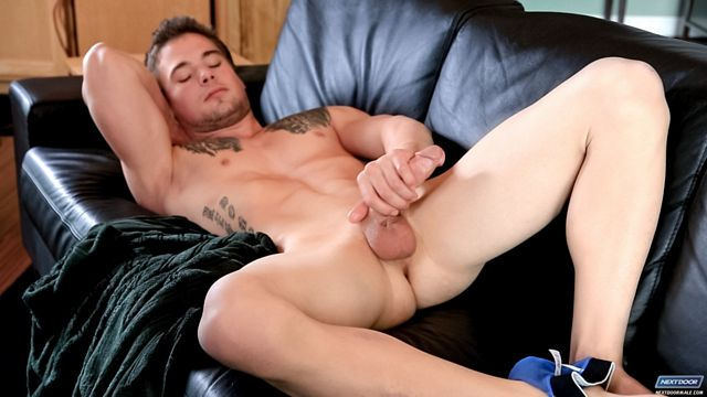 Jacking Off a Nice Load Before Work | Daily Dudes @ Dude Dump