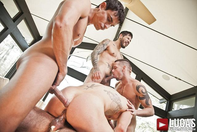 Jed Athens gets double-fucked raw | Daily Dudes @ Dude Dump