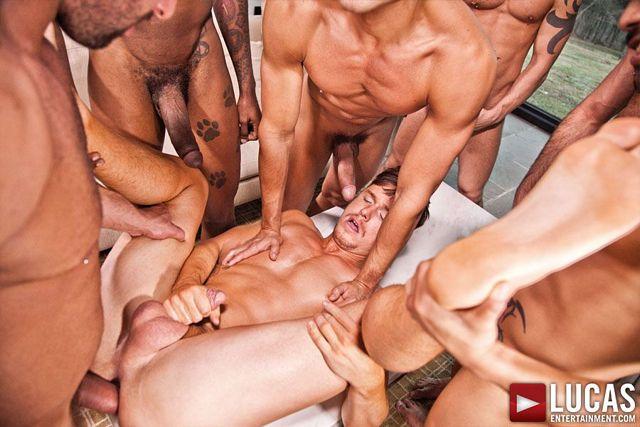 Jed Athens takes bareback double penetration | Daily Dudes @ Dude Dump