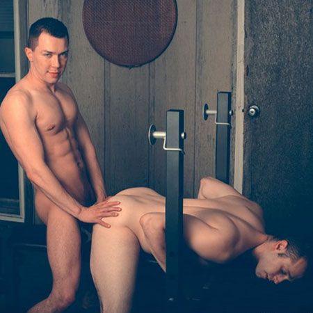 Kurt and David flip flop | Daily Dudes @ Dude Dump