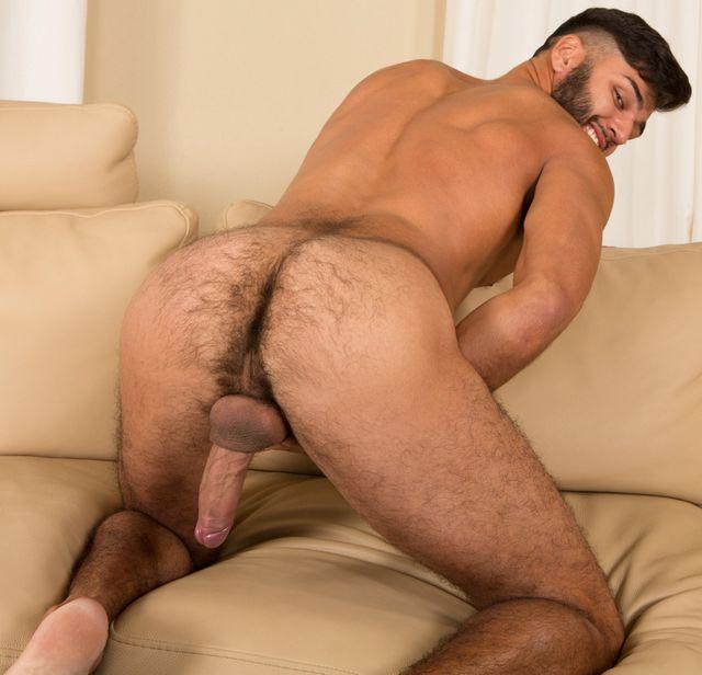 Lean guy Kipp has a very furry butt! | Daily Dudes @ Dude Dump