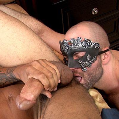 Mike Mann Barebacks Hunter with His 11″ Big Dick | Daily Dudes @ Dude Dump