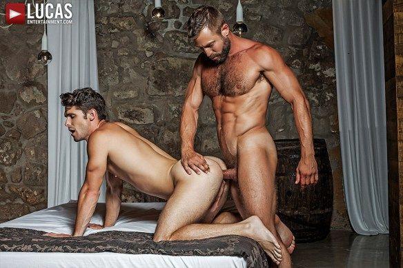 Muscle Daddy Bulrog Tops Devin Franco | Daily Dudes @ Dude Dump