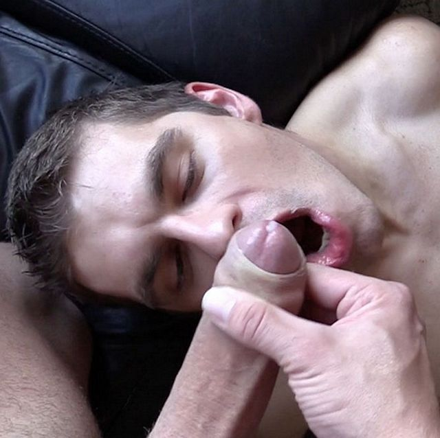 Pizza boy gets fucked | Daily Dudes @ Dude Dump