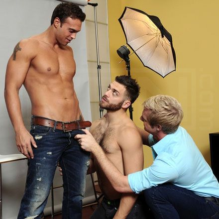 Rocco Reed & Tommy Defendi fuck a photographer | Q | Daily Dudes @ Dude Dump