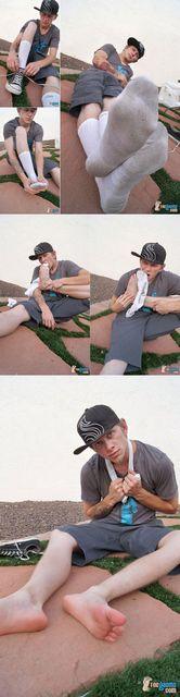 Skater Punk Sock and Foot Play | Daily Dudes @ Dude Dump