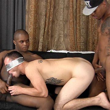 Spit Roasting a White Boy | Daily Dudes @ Dude Dump