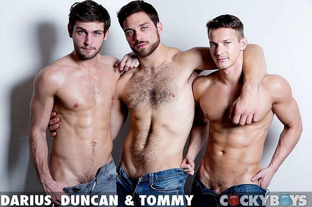 Tommy fucks Duncan Black & Darius Ferdynand | Daily Dudes @ Dude Dump