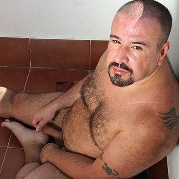 Uncut Bear Man | Daily Dudes @ Dude Dump
