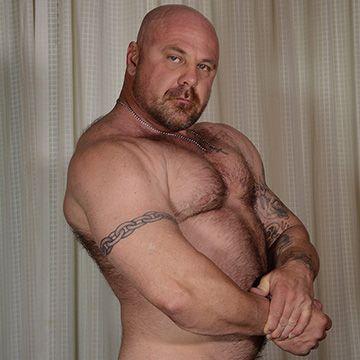 Woofy Bodybuilder | Daily Dudes @ Dude Dump