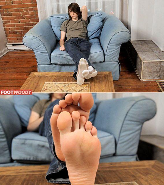 Yummy Twink Feet | Daily Dudes @ Dude Dump